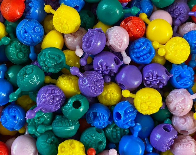 20pcs MONSTER POP BEADS Tiny Vintage Plastic Toys Zombies For Kiddie Jewelry Gum Ball Vending Prizes Halloween Lot