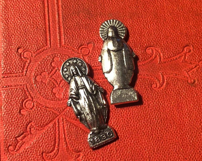 VIRGIN MARY STATUETTE Our Lady Pocket Shrine Tiny Statues Catholic Token Amulet Silver Religious Lot Miniature Devotion