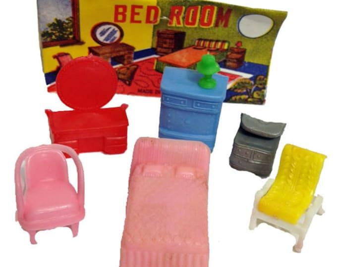 1pkg TINY FURNITURE SET 1960s Vintage Plastic Doll Accessories Toys