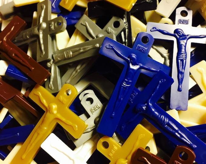 10pcs QUALITY PLASTIC CRUCIFIXES Colorful Sturdy Mission Plastic Rosary Parts