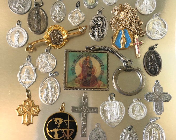 25pcs VINTAGE RELIGIOUS LOT Religious Flicker Medallions Crucifixes Vintage Religious Medallion Catholic Gifts Religious Medals No. 2