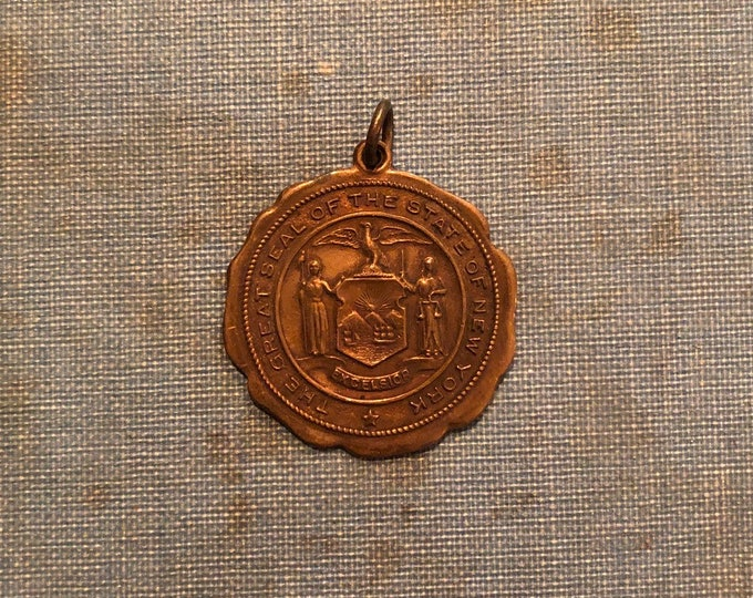 NEW YORK MEDALLION Vintage State Pendant The Great Seal of the State of New York Charm Medal