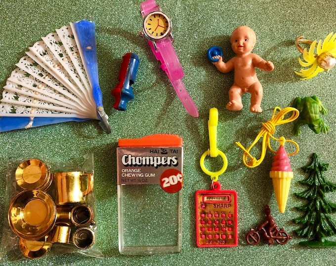 12pcs CURATED KITSCH PACK Vintage Plastic Charms Wonderfully Weird Mixed Bag Crafting Miniatures Retro Amazement Gumball Prizes Lot