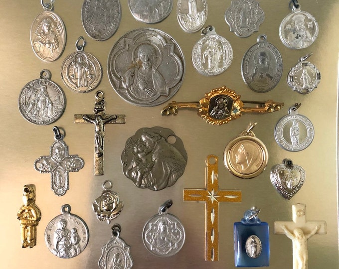25pcs VINTAGE RELIGIOUS LOT Crosses Religious Medallion Religious Brooch Medallions Crucifixes Vintage Religious Medals Catholic Gifts No. 5