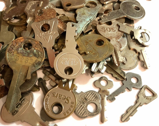 10pcs OLD VINTAGE KEYS Many Makers + Marks Rusty Shiny Small Assemblage Embellishments Found Objects Lot