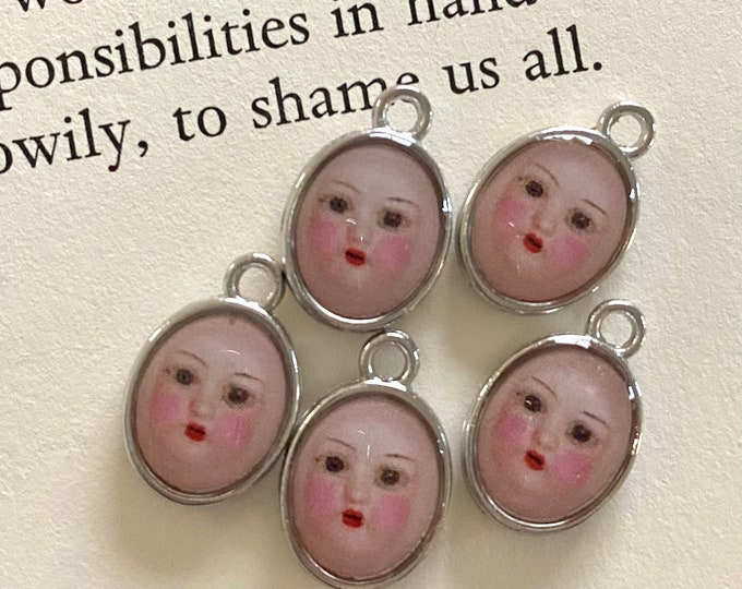 5pcs DOLL FACE CHARMS Tiny Custom Made Antique Altered Dolly Face Lovely Curious Spooky Vintage Miniature Medallion Pendants Clara