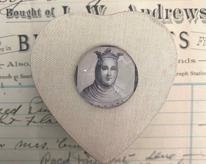 MOMENTO MORI BOX Spanish Royalty Vintage Heart Shaped Satin Box + Glass Cabochon Queen Visibly Aged Gift Box Small Keepsake