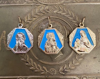 ⱽᴵᴺᵀᴬᴳᴱ 3pcs PAINTED CATHOLIC MEDALS Aluminum Charms Scapular Sacred Heart of Jesus Saint Anne Medallion Set