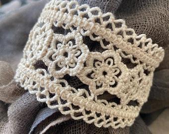 The Garden Wall - Lace Bracelet