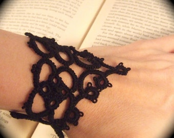 Tatted Lace Bracelet - La Petite Goth
