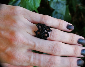 Tatted Lace Ring - Weave
