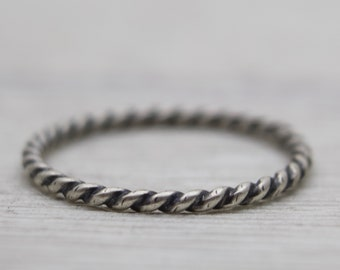Oxidized Sterling Silver Ring - Twisted Band - Twisted Ring - Wire Ring - Minimalist Ring - Simple Ring - Stacker Ring - Stackable Ring