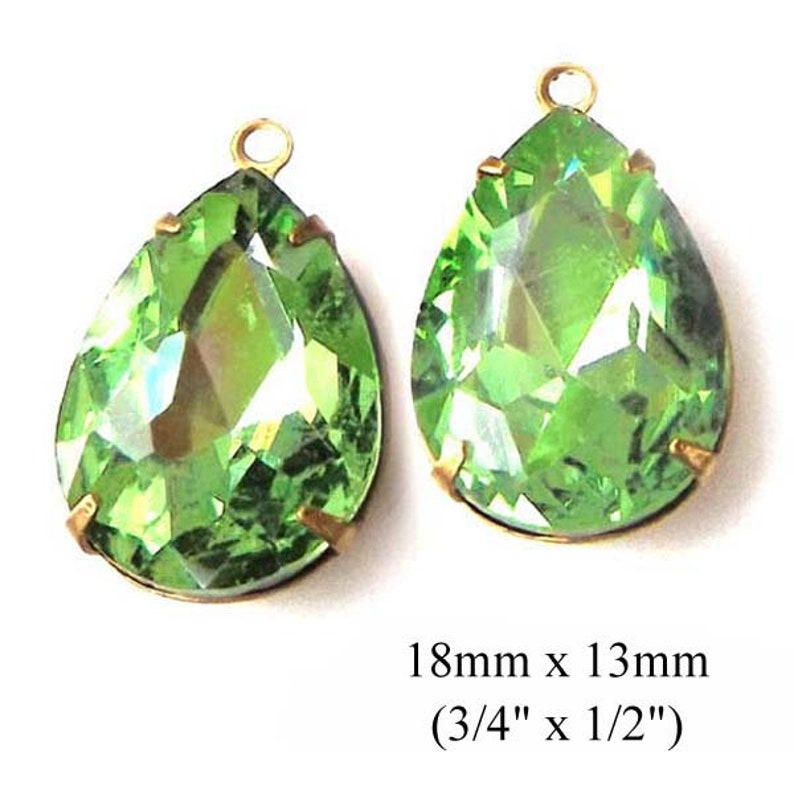 peridot green crystal teardrops for pendants or earring jewels
