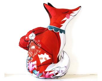 Travelling Fox Cushion