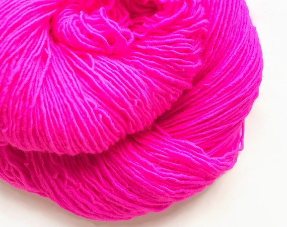 POP pink hand dyed yarn