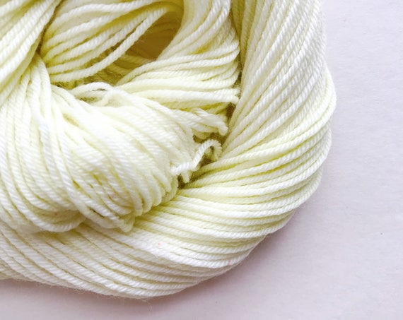 LIMEWHITE hand dyed yarn