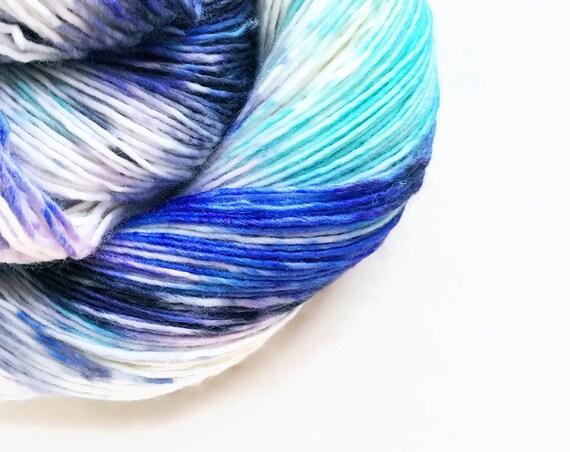 grape glacier / hand dyed yarn / speckle yarn / superwash merino wool sock yarn / single yarn / sock yarn/ pale blue seafoam purple yarn