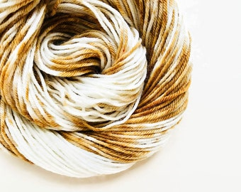 MOCHA CREAM hand dyed yarn speckle. choose your base from fingering, sock, dk, or bulky yarn. white cream mocha gold brown yarn speckle yarn