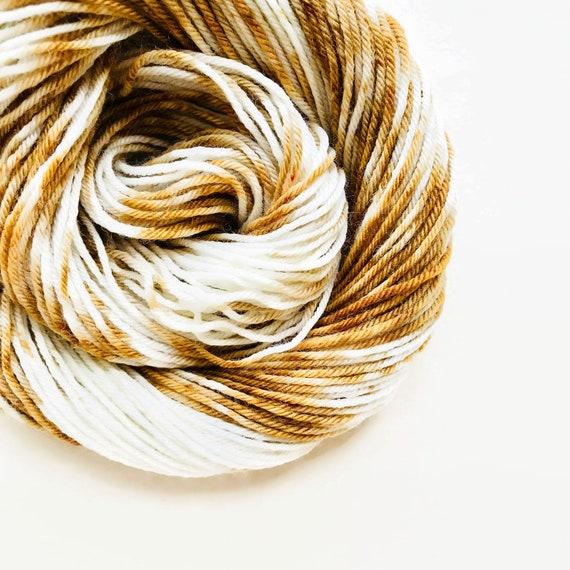 MOCHA CREAM hand dyed yarn speckle