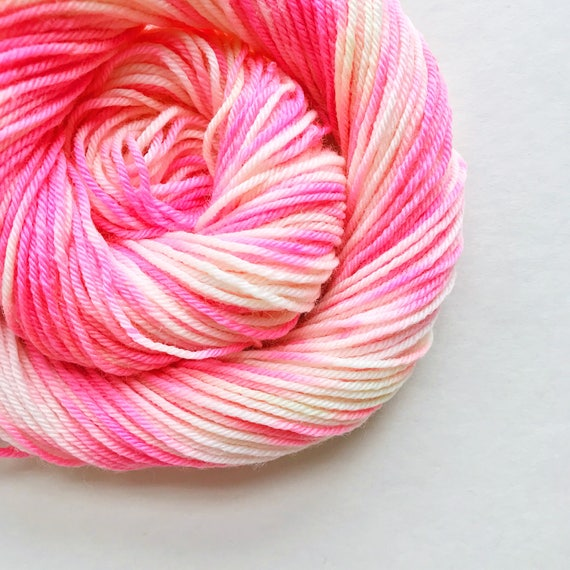 POP CREAM hand dyed yarn speckle