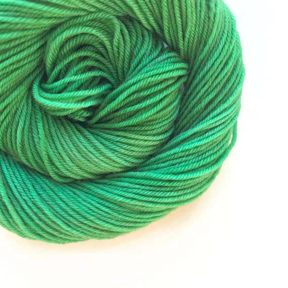JUNIPER green hand dyed yarn