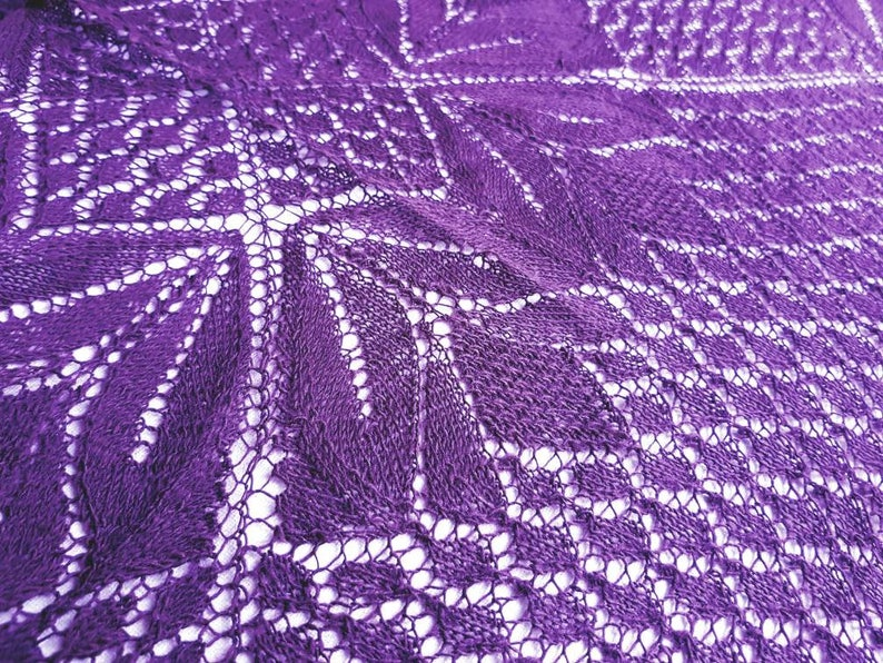 Lace shawl in deep purple hand knitted. image 0