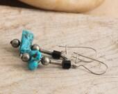 Vintage Turquoise Southwestern Artisan Pierced Dangle Earrings vintage jewelry luluglitterbug