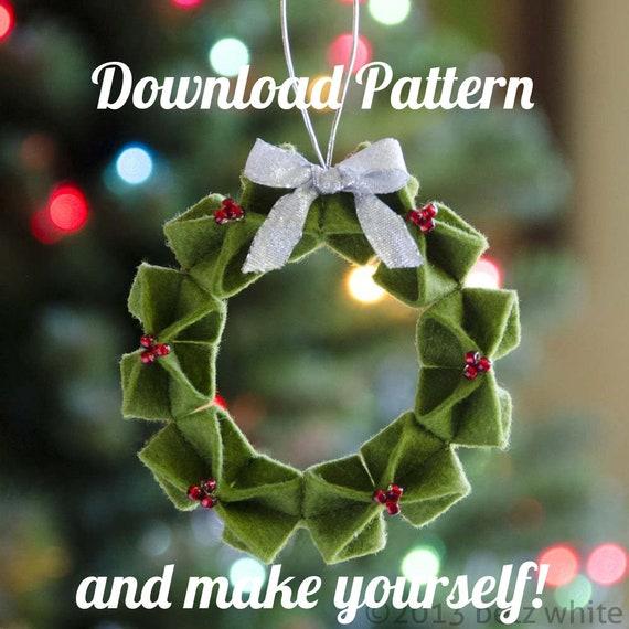 Make an Easy Origami Wreath   LoveToKnow   570x570