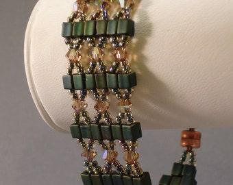 TUTORIAL Crystal Crossover Beaded Bracelet
