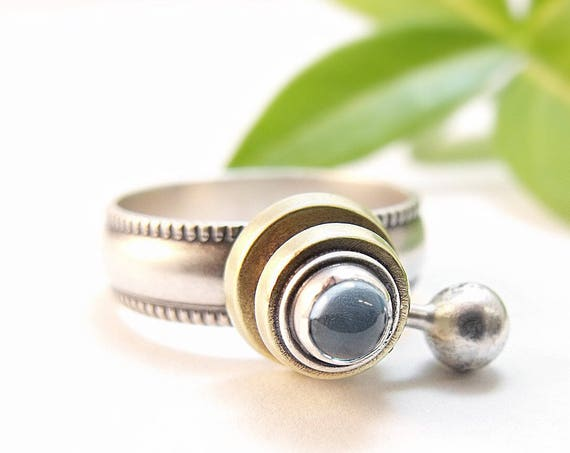 Earth And Moon Ring - Handmade Silver Kinetic Jewelry