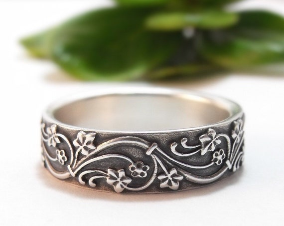 Silver Ivy Wedding Band - Handmade Wedding Ring for Men and Women