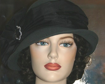 Miss Fisher Hat, Flapper Hat. Cloche Hat, Downton Abbey Hat, Gatsby Hat. Women's Gray & Black Hat - Josephine