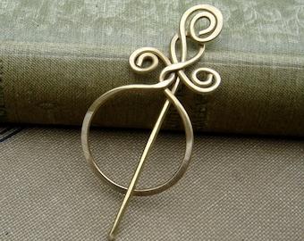 Little Circle With a Twist Brass Shawl Pin, Sweater Brooch, Scarf Pin, Lace Shawl Pin Small Shawlette Pin Women Knitting Accessories Knitter