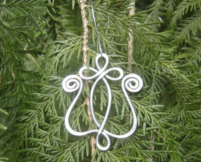 Celtic Tulip Christmas Ornament Celtic Hanging Spring Decoration Celtic Ornament Christmas Gift Flower Ornament