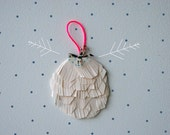 Modern Paper Ornament by Essimar