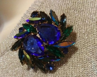 Sapphire Blue Emerald Green Faceted Rhinstone Wreath Brooch Vintage Jewelry MidCentury Style
