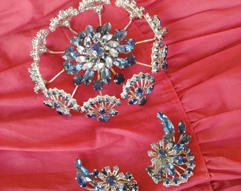 Mad Men Holiday. Retro ON SALE Beautiful large pink headlight rhinestones vintage brooch 1950s