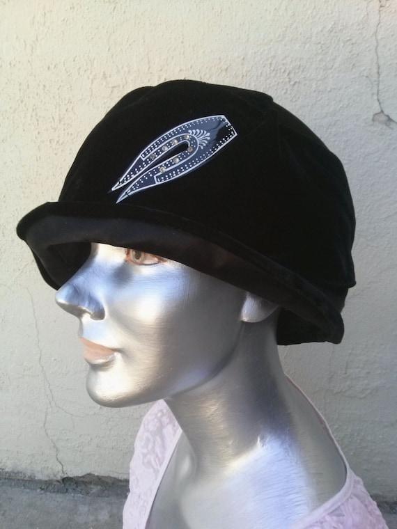 Vintage 1920s Black Velvet Cloche Hat Lane Bryant