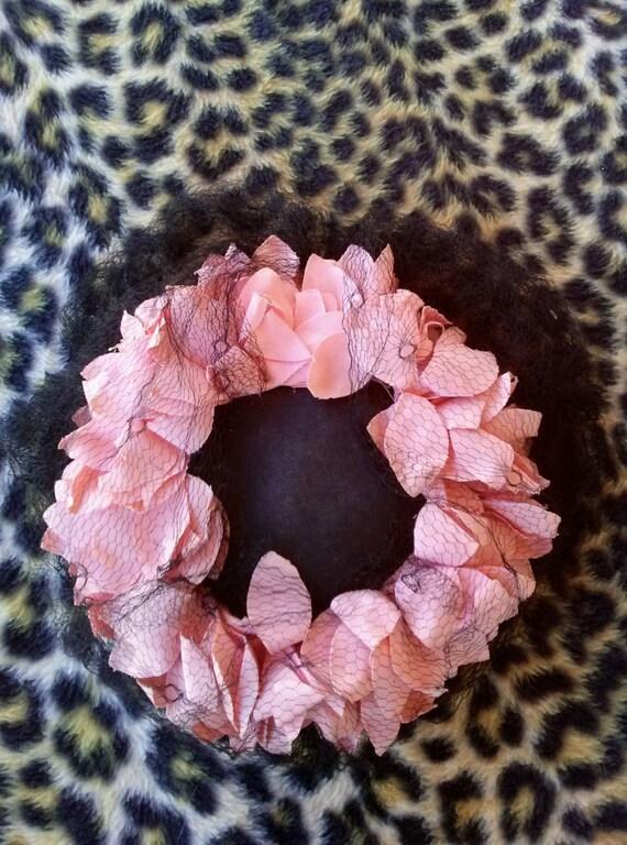 Vintage 1940s Black Perch Hat Pink Petals - image 3