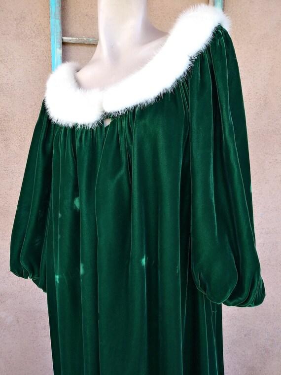 Vintage 1960s Green Velvet Robe Dressing Gown Luc… - image 3
