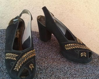 Vintage 1940s Platform Shoes Peep Toe Brass Studded High Heel US5