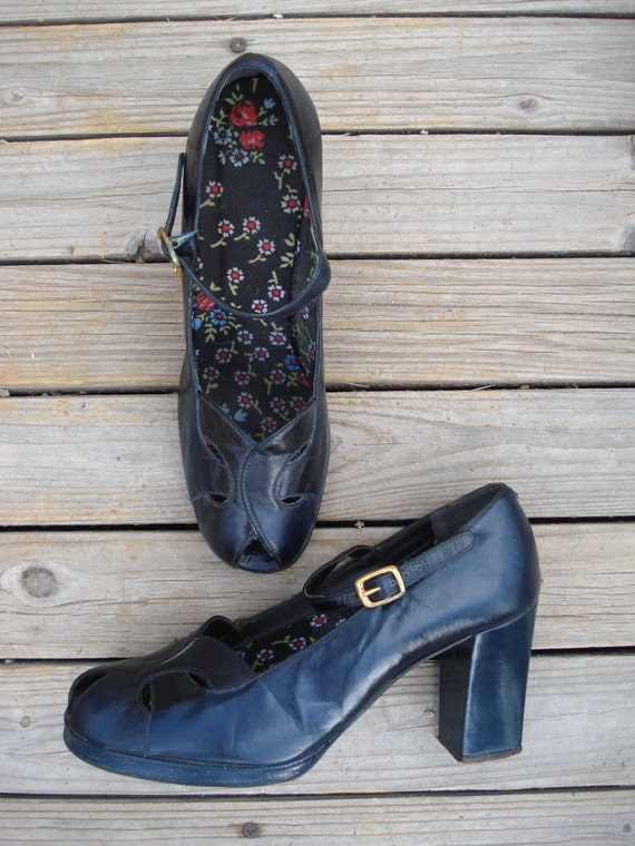 Vintage 1970s Platform Shoes 40s Style Mary Janes
