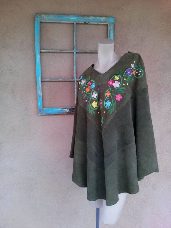 Vintage 1970s Suede Poncho Embroidered Green OS