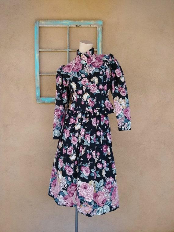 Vintage 1980s Chintz Suit Women's Sz S US 4 80s Floral Fashion 2 Pc