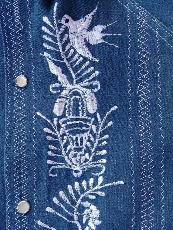 Vintage 1970s Mens Embroidered Denim Shirt Sz M - image 7