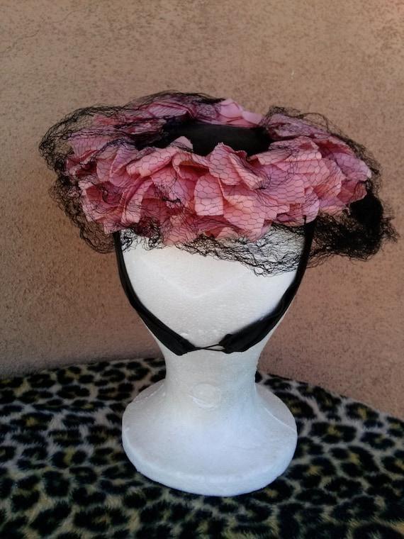 Vintage 1940s Black Perch Hat Pink Petals - image 4