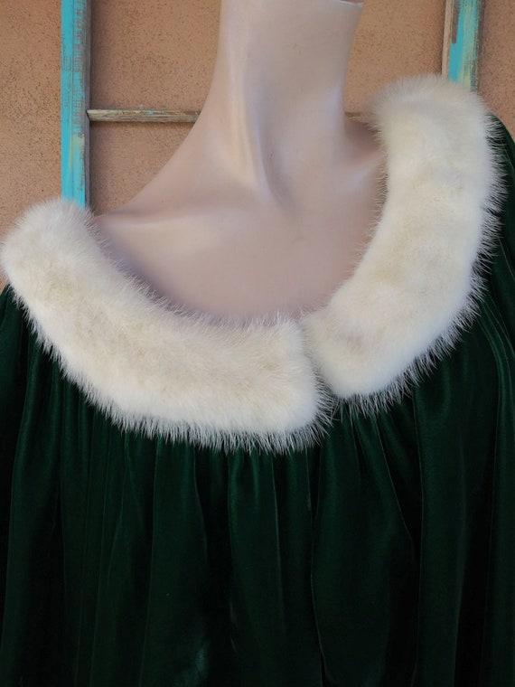 Vintage 1960s Green Velvet Robe Dressing Gown Luc… - image 4