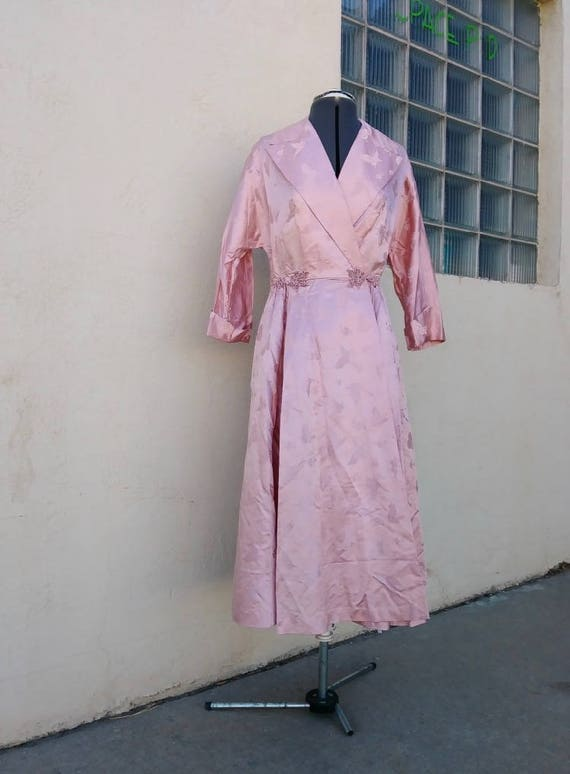 Vintage 1950s Pink Dressing Gown Jacquard Silk But