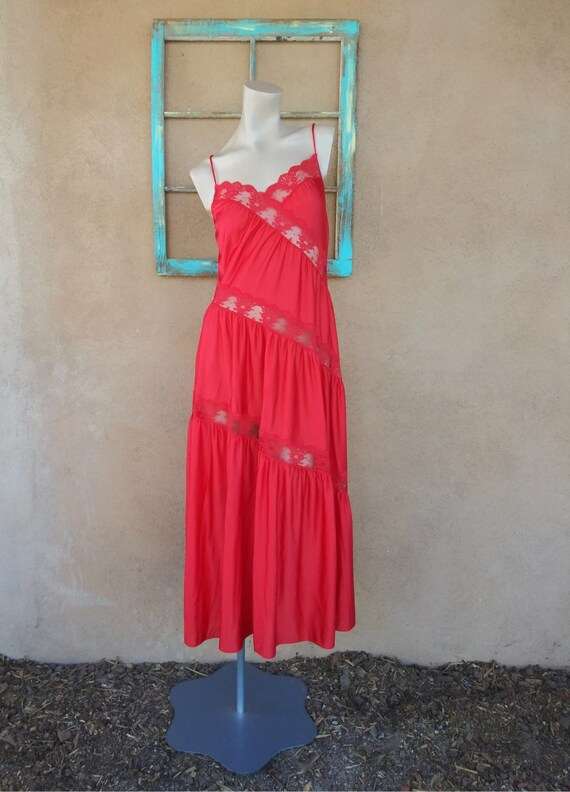 Vintage 1970s Red Nightgown Henson Kickernick Styl