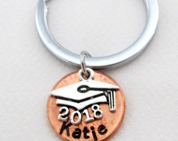 2018 graduation Keychain,Personalized Gift for 2018 graduates, Class of 2018 Penny Keychain, New Graduation gift,grad hat, Free Shipping USA
